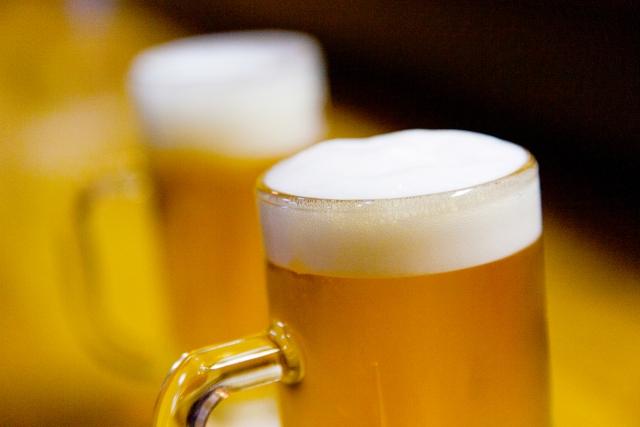 お酒と関節痛、ビタミンの関係